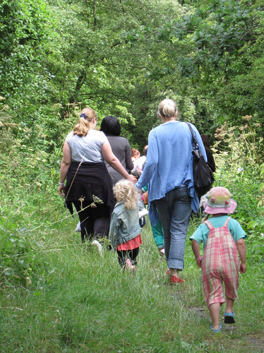 1-walk-children